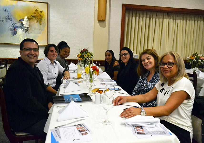 Funcionários da AEB participam do jantar (CEI Vila Gustavo)
